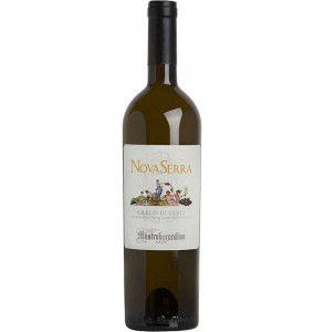 Novaserra è un vino bianco campano prodotto con 100% Greco di Tufo da Mastroberardino