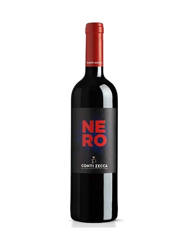 Nero è un Vino Rosso da uve Negroamaro e Cabernet Sauvignon