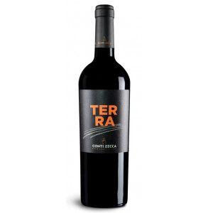 Terra è un vin rosso di Conti Zecca ottenuto da uve Aglianico e Negroamaro