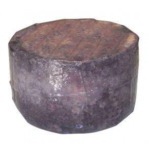 Formaggio di capra affinato nel vino aglianico