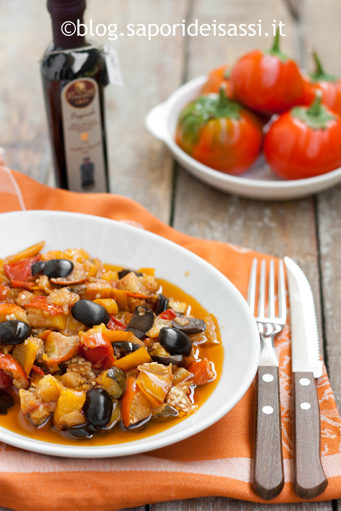 Ricetta melanzane rosse con zucchine e peperoni