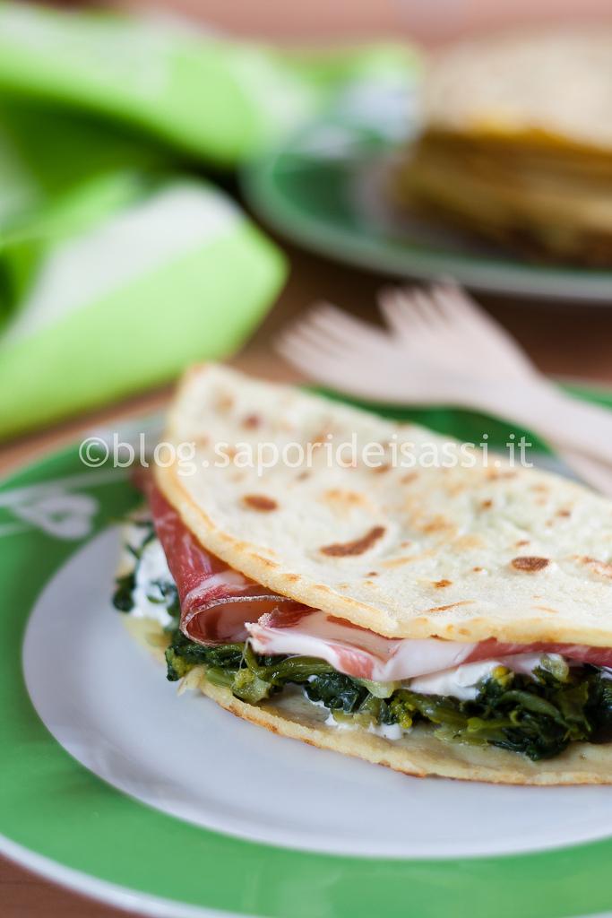 Crêpe salata con spinaci, stracciatella e capocollo