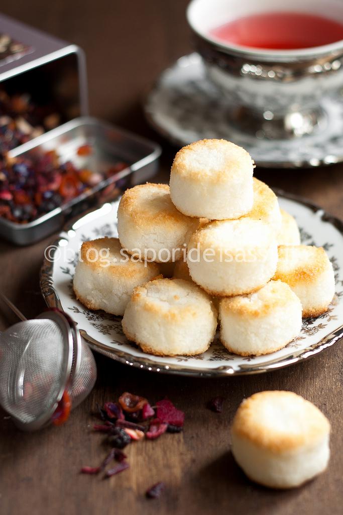 Macarons al cocco con…Infuso alla Frutta Tropicale!