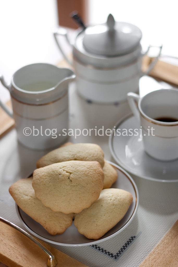 Biscotti ripieni di amarena