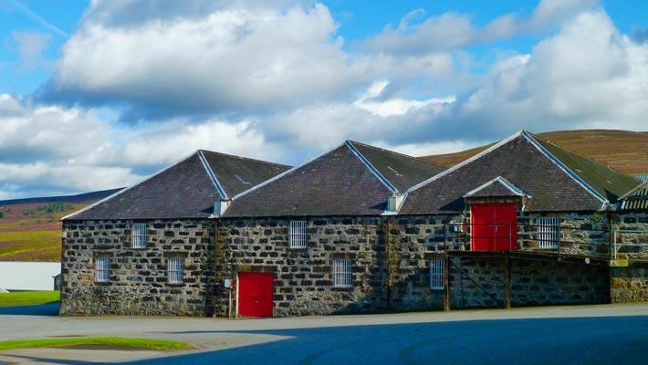 Distilleria scozzese di whisky