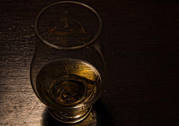 whisky oro liquido