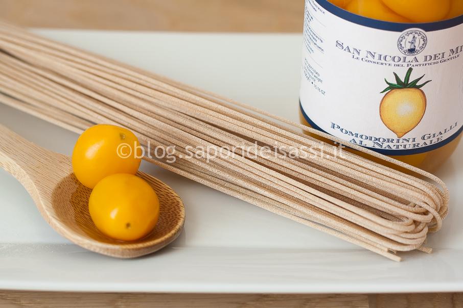 """Spaghetti integrali bio di Gragnano, pomodorini gialli del Piennolo e """"Cim'Lapun"""""""