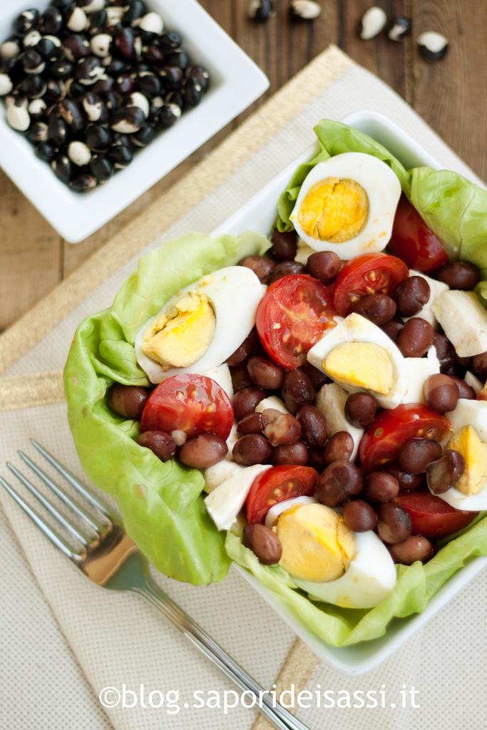 Insalata di Fagioli di Sarconi IGP, fiordilatte, pomodorini e uova