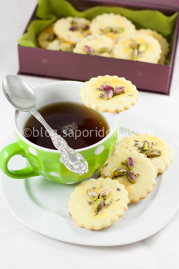 Biscotti Sablé con Pistacchi lucani e Fiori di Lavanda