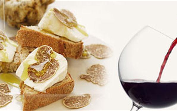 Quale vino abbinare al tartufo? Ecco come scegliere.