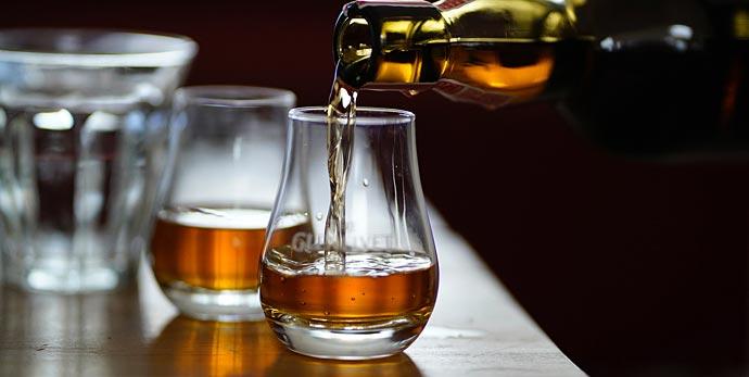 bicchiere di whisky pregiato