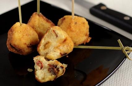 Ricetta polpette di patate e peperoni cruschi