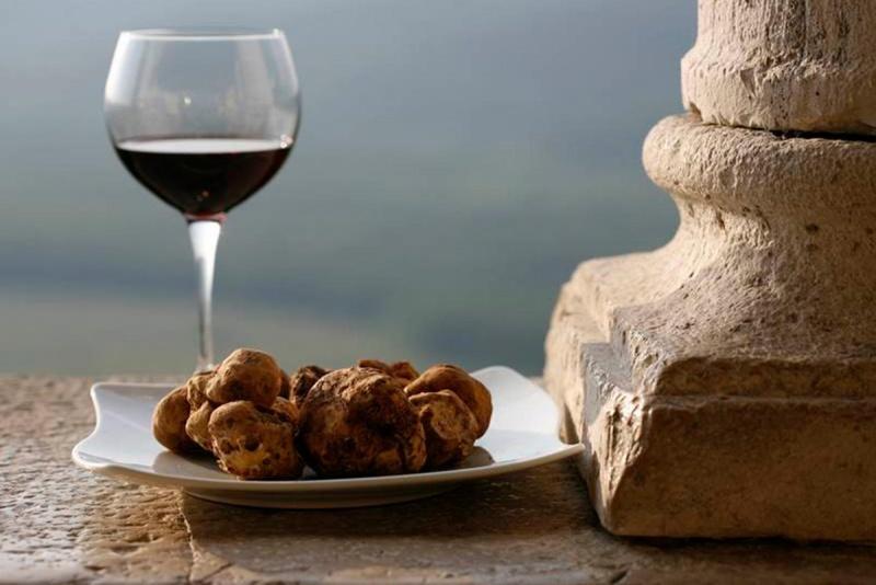 Come abbinare il vino al tartufo